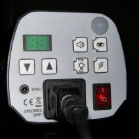 Eine kompakte und erschwingliche Blitzanlage (1)