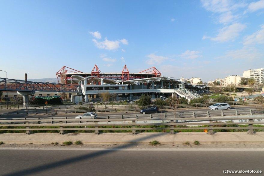 Olympiastadion mit eigener Bahnstation