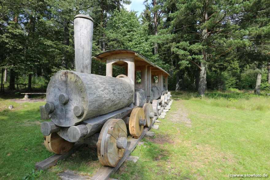 umweltfreundliche Holzbahn