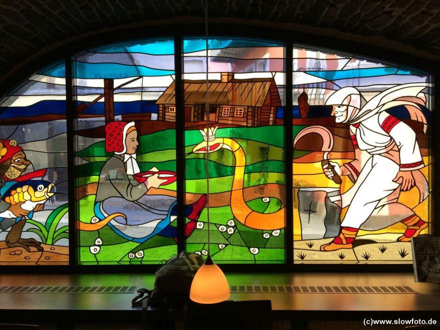 Glasfenster im W