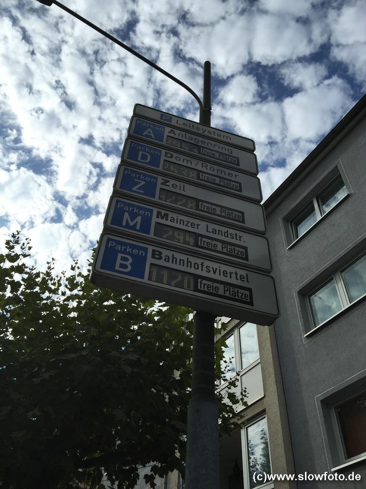 Freie Parkplätze weil die Innenstadt feiert