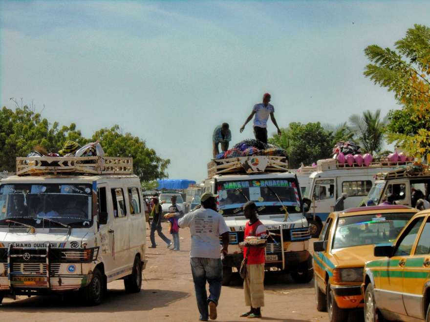 Gambia Grenze - auf dem Weg nach Banjul