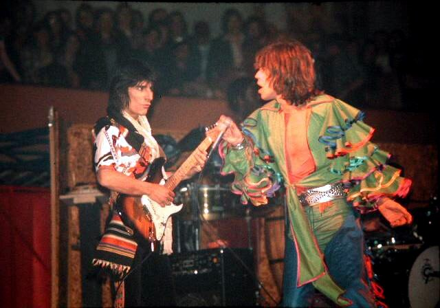Ron Wood + Mick Jagger
