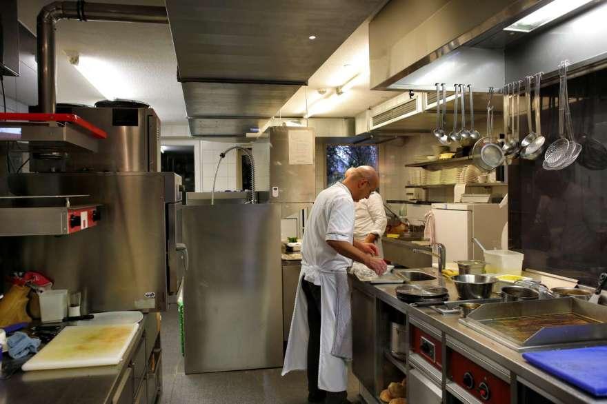 die Köche in der Küche, wo sonst?