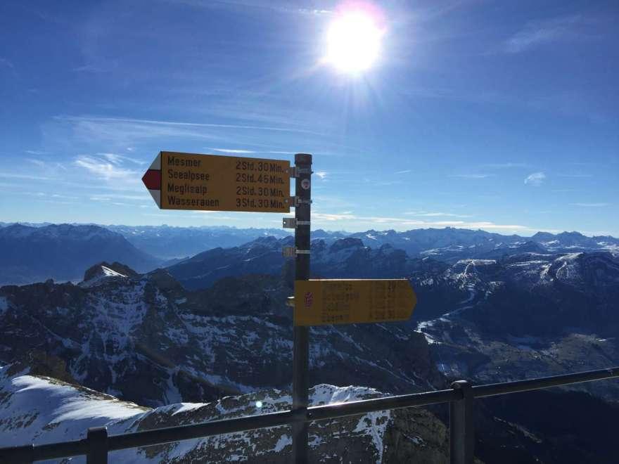 Blick nach Süden in das Schweizer Hochalpengebiet