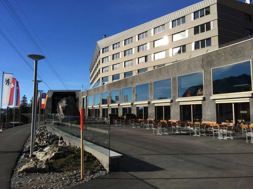 Talstation und Hotel